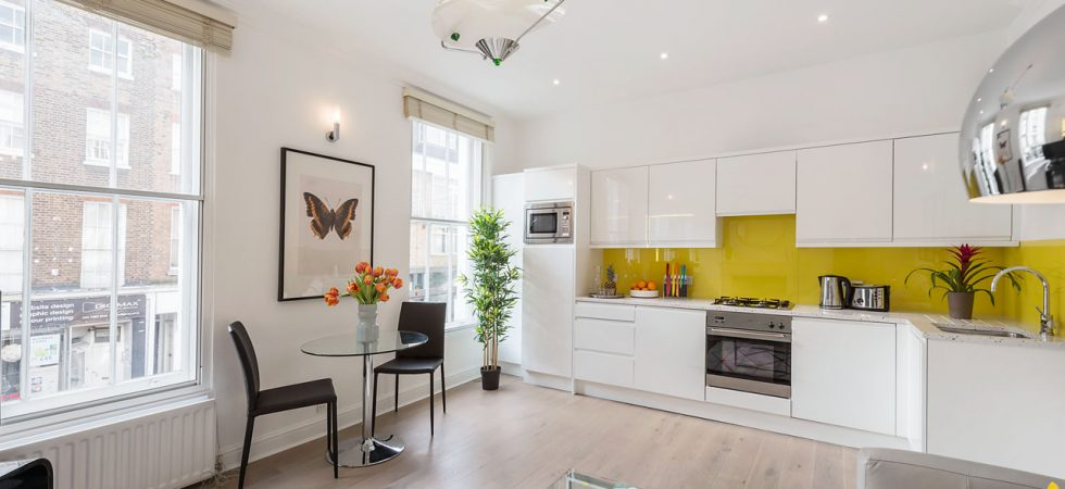 1, 17 CR Living Kitchen