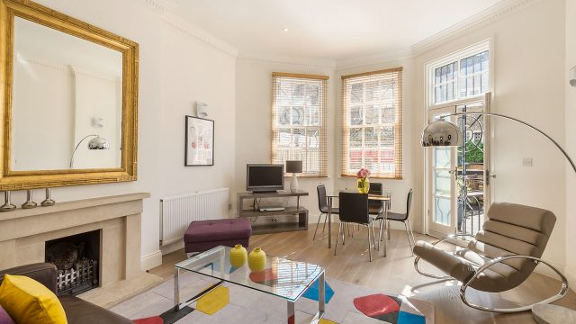 1, 55 Livingroom 15