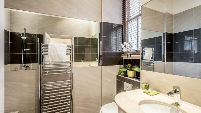 Flat 1, 49DP, Bathroom 13
