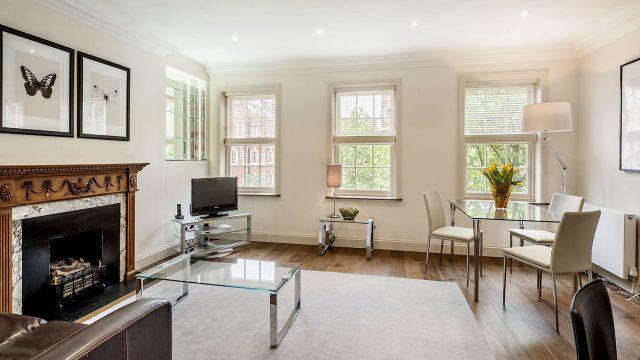 Flat 3, SA, Livingroom 13