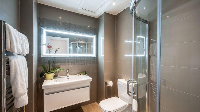 Flat 5, 41 Bathroom 13