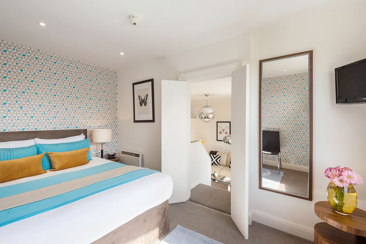 AFTER: 41 Draycott Place Studio – Turned One Bedroom